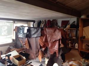 leather,leer